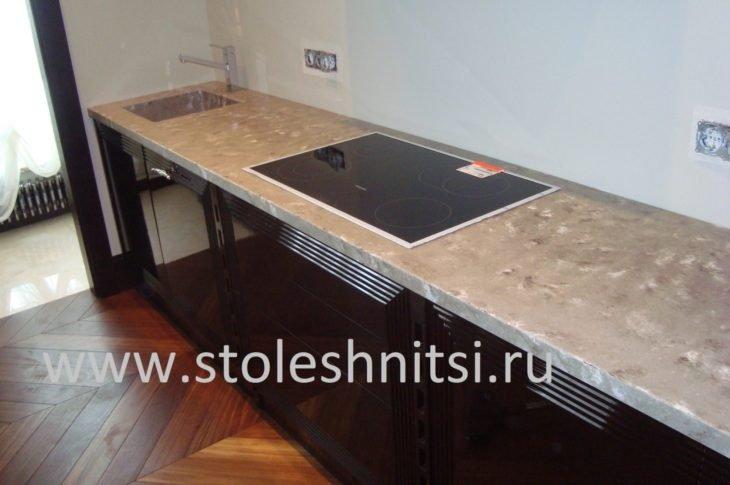 Прямая столешница для кухни толщиной 40 мм