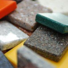 Природный или искусственный камень в интерьере — что выбрать?